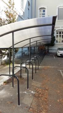 Garage à vélo couvert