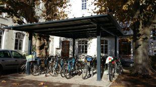 Garage à vélos couvert