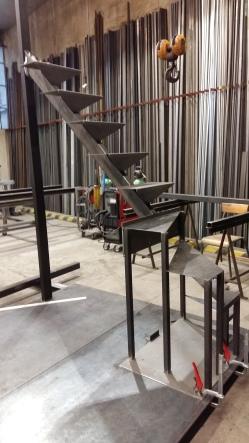 Escalier acier en atelier