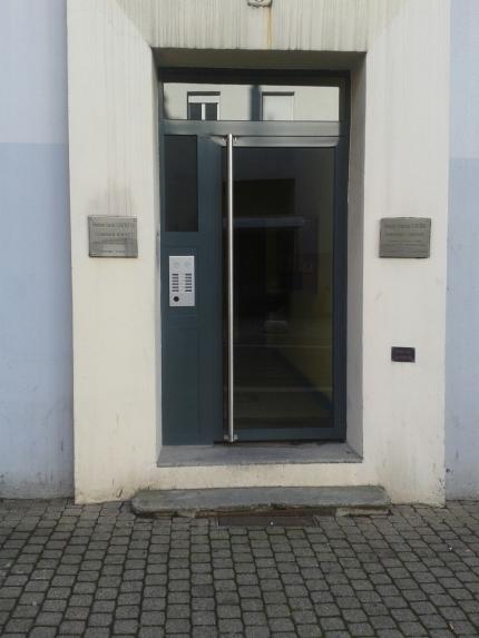 Porte d'allée à un vantail